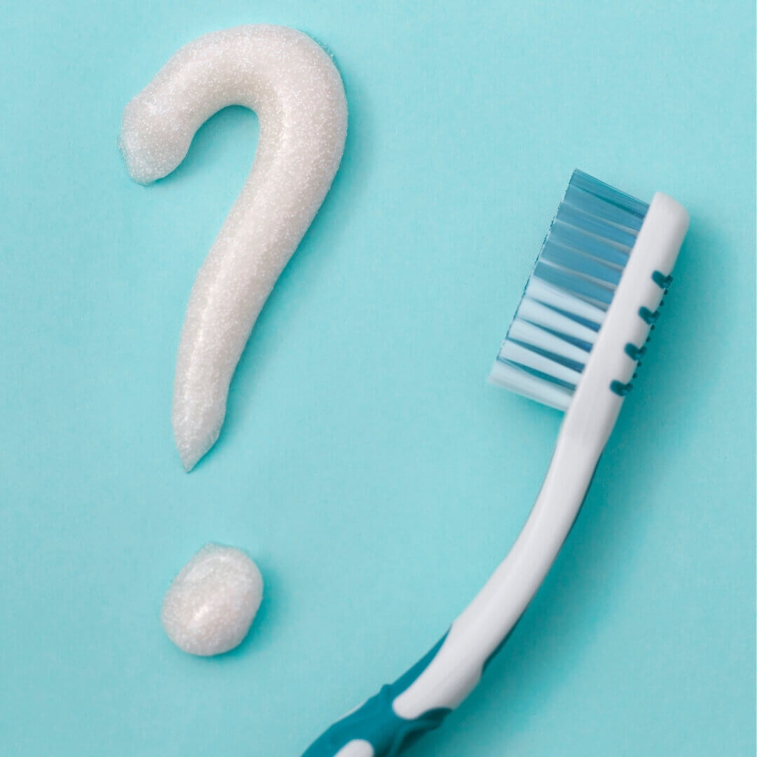 how-does-toothpaste-really-clean-your-teeth-tn
